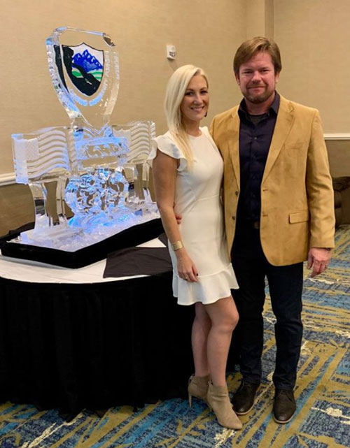 tom-and-jen-in-front-of-ice-sculpture-image